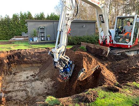 Magnus gräver pool