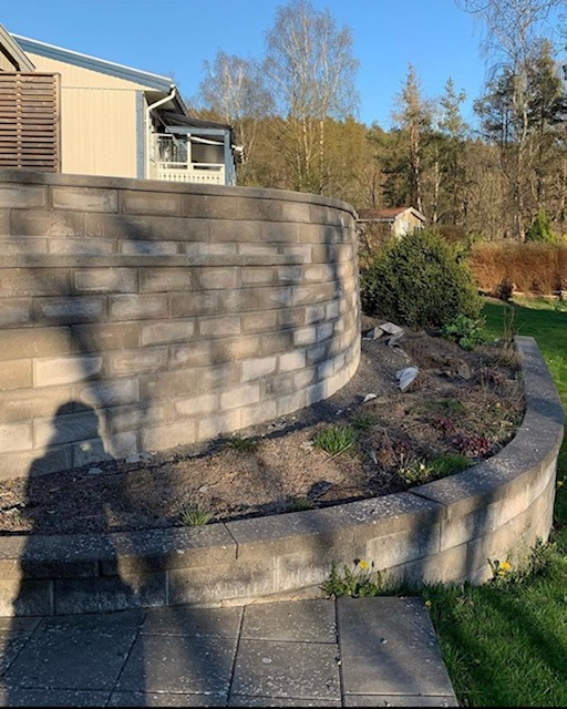 terrassmur, redo inför plantering