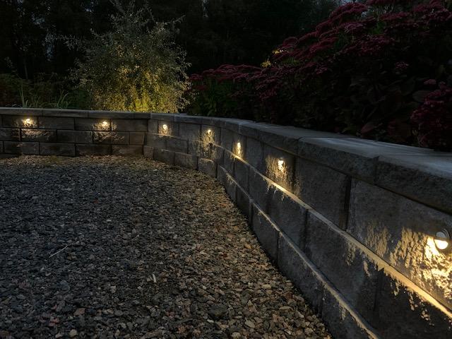 belysning av mur